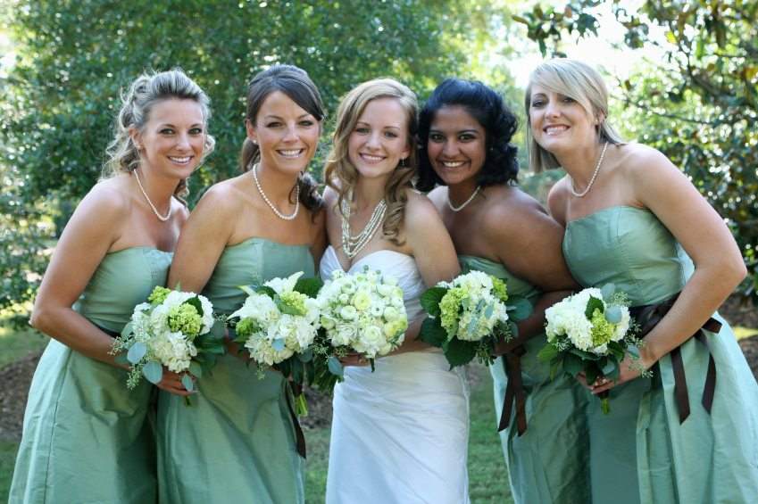 Details of the Duties of Bridesmaids Image